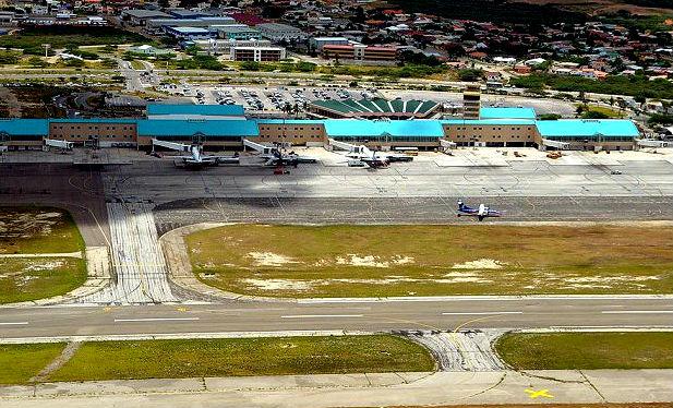Aruba Airport - dutch Caribbean