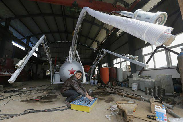 Submarine for Capturing Sea Cucumbers