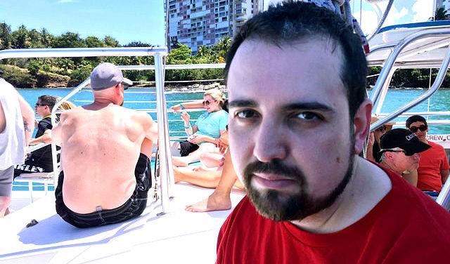 guy sad vacation photo family goes viral