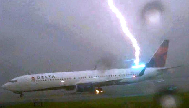 viral plane lightning strikes delta flight