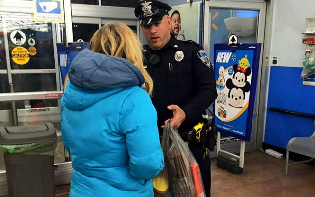 cop act of kindness for homeless woman